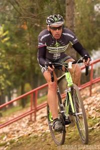Ladislav Longauer 63 évesen még mindig oszlopos tagja a besztercebányaiak cyclo-cross csapatának