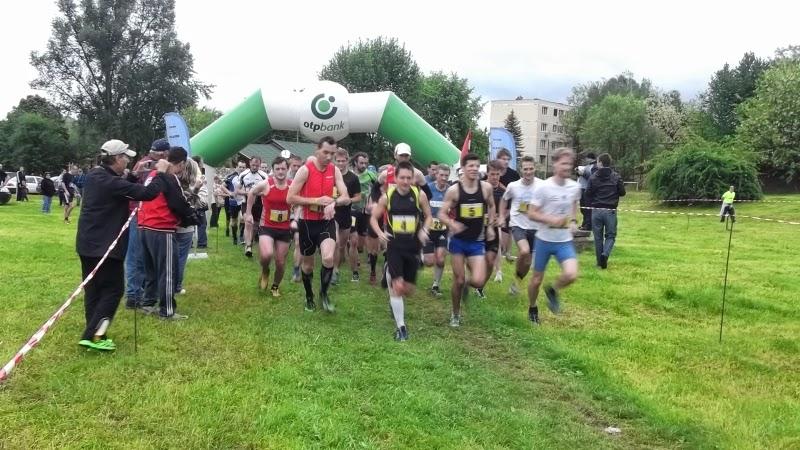 Rajtol a XIX. Hegyi Futóverseny félmaratoni távjánakmezőnye
